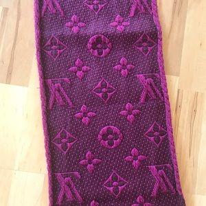 Louis Vuitton Accessories - Louis Vuitton monogram muffler scarf